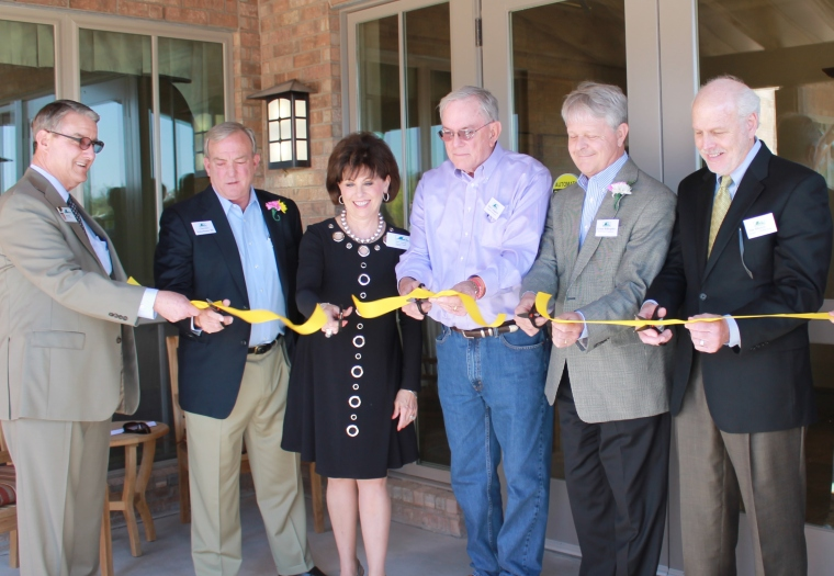 manorparkScharbauer Cottage Ribbon Cutting